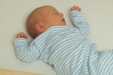 """Thumbnail image for """"Cuidado del Recién Nacido: Sueño"""""""