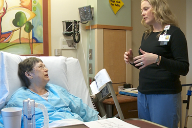 """Thumbnail image for """"Reemplazo de Articulación: Su Estadía en el Hospital"""""""