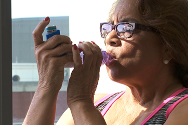 "Thumbnail image for ""Manera de usar tu Inhalador para el Asma"""